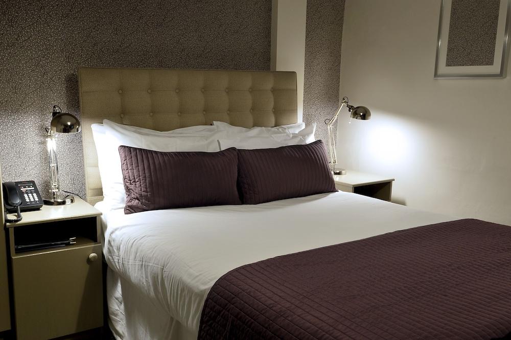 Dobbins Inn, Mid and East Antrim