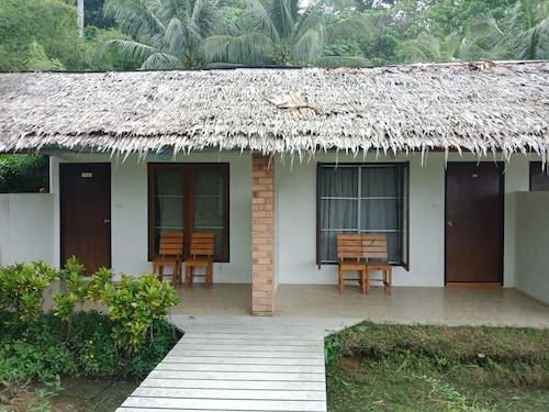 Holiday Resort Ko Yao, Ko Yao District
