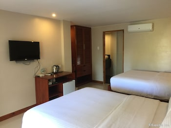 Golden Palm Resort Bohol Guestroom