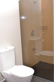 Golden Palm Resort Bohol Bathroom