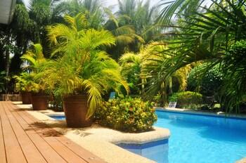 Golden Palm Resort Bohol Outdoor Pool