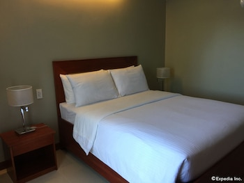Golden Palm Resort Bohol Guestroom
