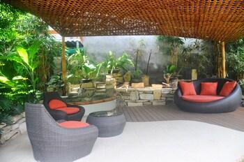 Golden Palm Resort Bohol Lounge