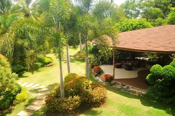 Golden Palm Resort Bohol Exterior