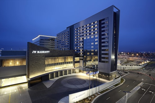 . JW Marriott Minneapolis Mall of America