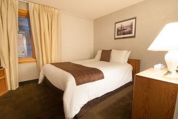 Standard Condo, 1 Bedroom, Kitchen, Mountainside