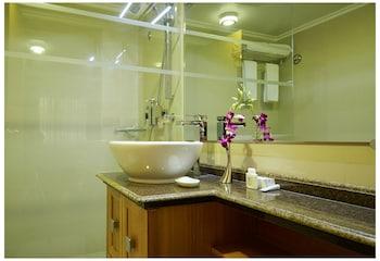 Royal Park Residence Hotel - Bathroom  - #0