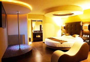 Sensaciones Suite with Round Bed