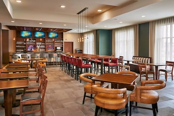Fargo Vacations - Four Points by Sheraton Fargo - Property Image 2
