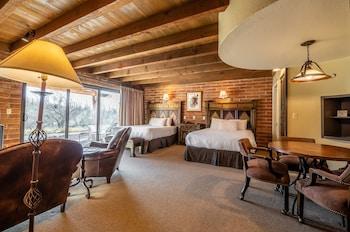 Deluxe Room, 2 Queen Beds (Road Runner Ridge Casita with 2 Queen)