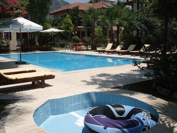 Nirvana Apart Hotel