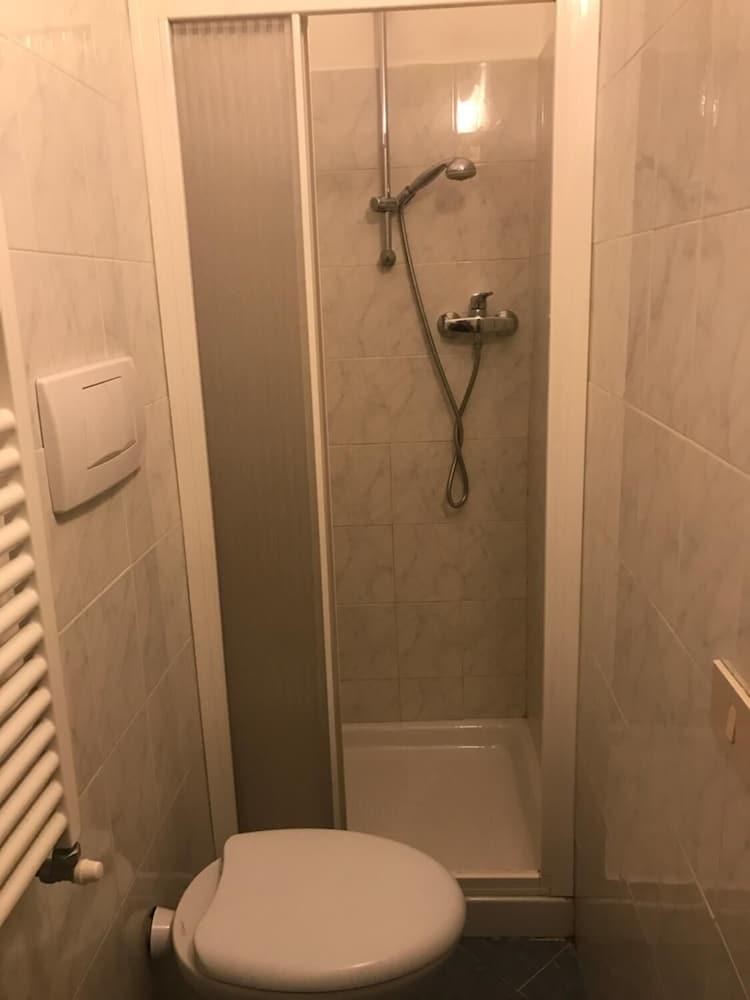 Standard Room, Private Bathroom