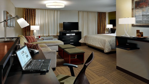 Staybridge Suites Toledo - Rossford - Perrysburg, Wood