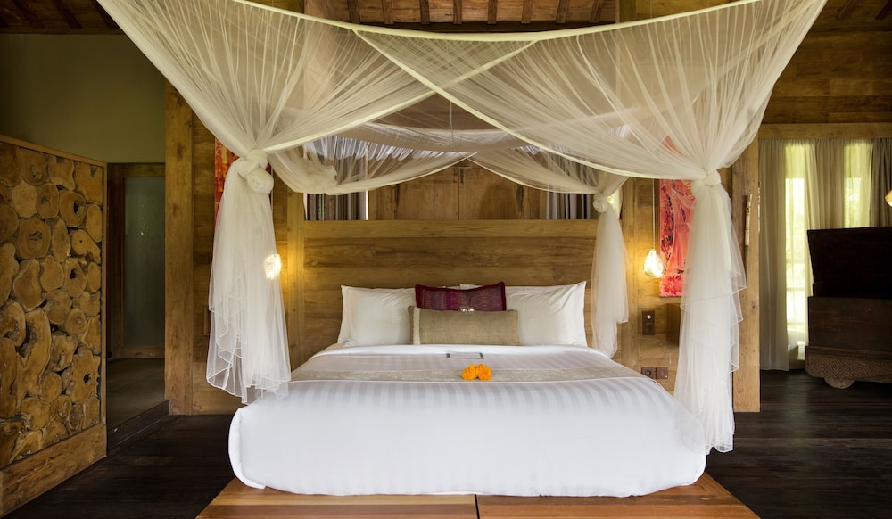 Honeymoon Villa, Pool View