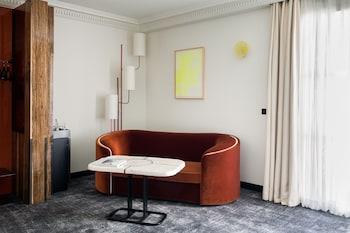 Deluxe Room (Balcony upon availability)