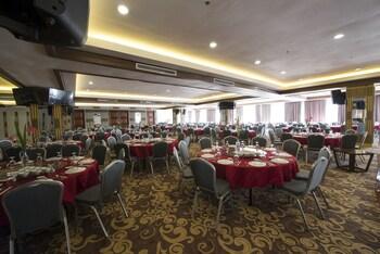 Newton Plaza Hotel Baguio Ballroom