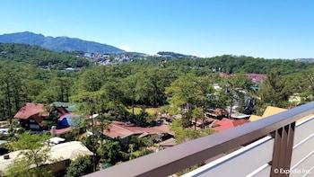 Newton Plaza Hotel Baguio Guestroom View