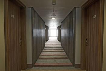 Newton Plaza Hotel Baguio Hallway