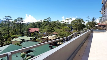 Newton Plaza Hotel Baguio Terrace/Patio