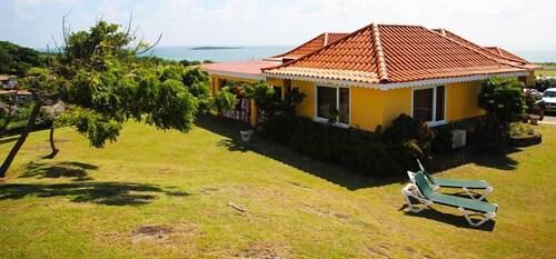 . Pinquin Cottage