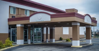 Hotel - Red Roof Inn & Suites Piqua - I-75