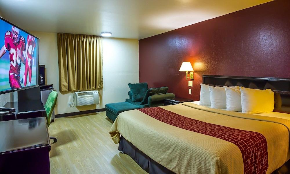 Standard Suite, 1 Queen Bed, Non-Smoking