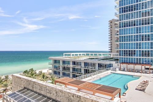 . Carillon Miami Wellness Resort