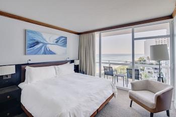 Luxury Apartment, 2 Bedrooms, Balcony, Partial Ocean View