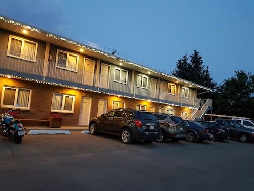 . Foothills Motel