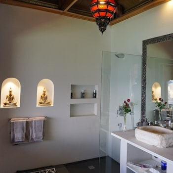 Vellago Resort El Nido Bathroom