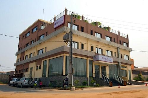 Hotel Quatro Pétalas, Kilamba Kiaxi