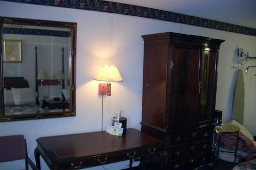 Regency Inn of Naperville, Dupage