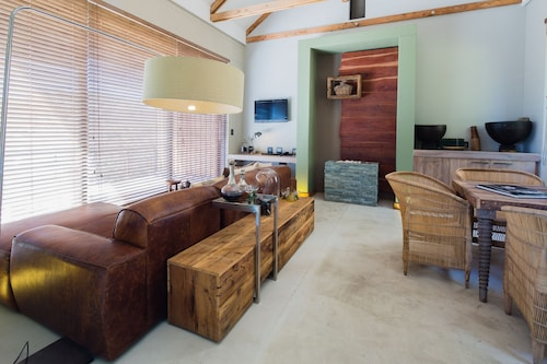 The Olive Exclusive All-Suite Hotel, Windhoek East