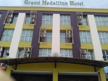 Grand Medallion Hotel