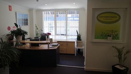 Cityview Studio Accommodation, Leichhardt