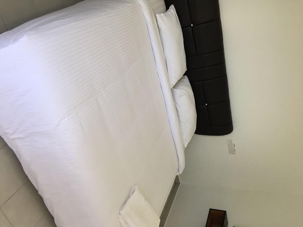 Dhania Motel