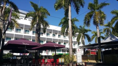 . Cenang Plaza Beach Hotel