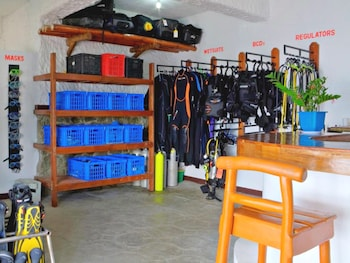Angelyns Dive Resort Puerto Galera Equipment Storage