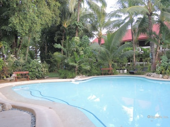 Elsalvador Beach Resort Cebu Outdoor Pool