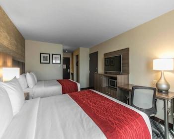 Standard Room, 2 Queen Beds, Bathtub