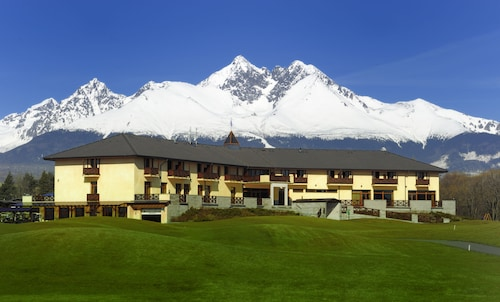 . Hotel International