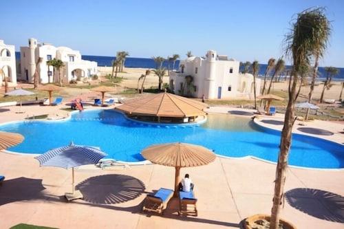 . BeachSafari Resort