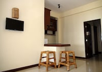 Squares Cafe and Apartments Puerto Galera