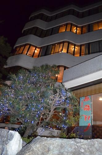 Sun Hotel Yamane, Obama