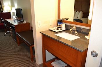 Baymont by Wyndham Grand Forks - Guestroom  - #0