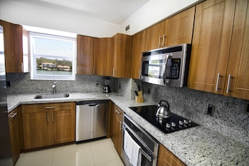 Seacoast Suites on Miami Beach - In-Room Kitchenette  - #0