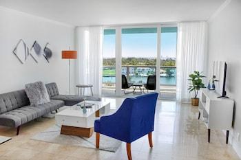 Deluxe Suite, 1 Bedroom, Balcony, City View
