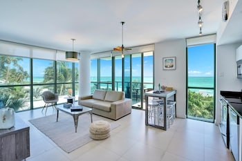 Superior Apartment, 1 Bedroom, Ocean View, Corner