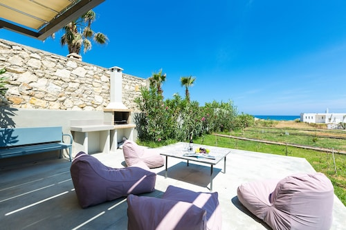 . Yiannis Apartments