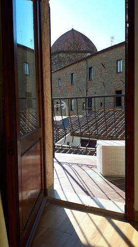 __{offers.Best_flights}__ Hotel Volterra In